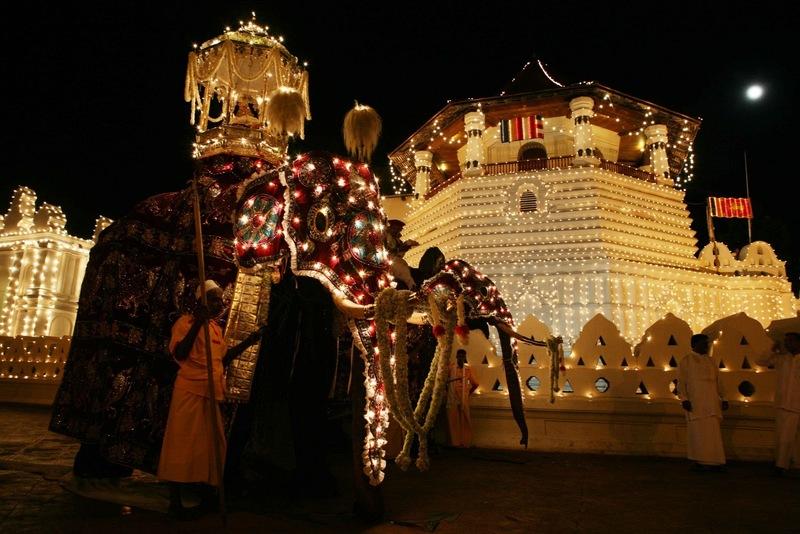 il festival più spettacolare dello Sri Lanka